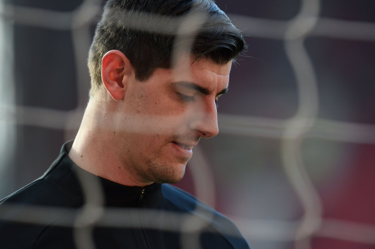 """Thibaut Courtois: """"I'm committed to Chelsea. I have a contract until next year and I will be here. I will do my best for it. Obviously there is no extension signed but I don't think now is the moment to do it. I think it is better to wait until the end of the season.'"""