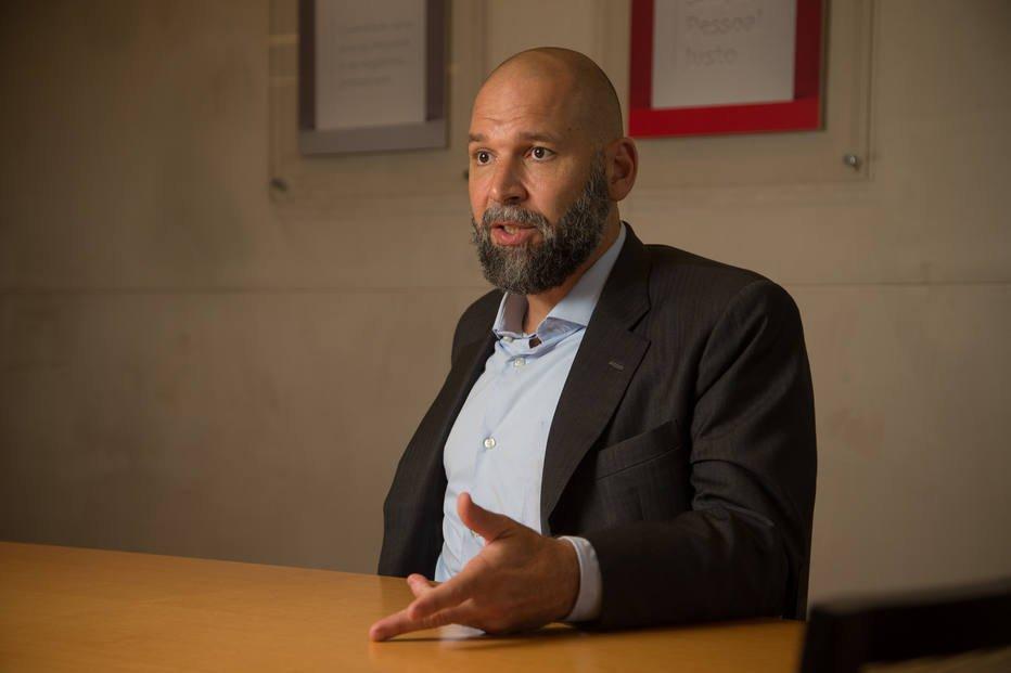 ENTREVISTA: 'Onda protecionista tende a ser esporádica', diz economista-chefe do Santander https://t.co/TE5GNx4mMU