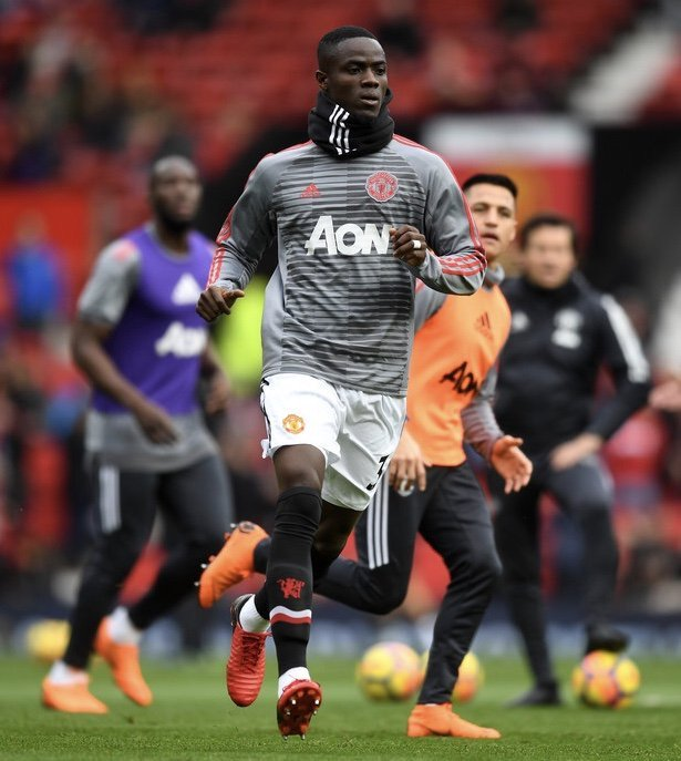 """Eric Bailly: """"I dey happy say fans wan die ontop my matter. E make sense wen fans dey ur back, e show say u dey do well. Wetin i go do na to fold my sleeves, try hard sote sweat go pour from my body.""""  #MUIP"""