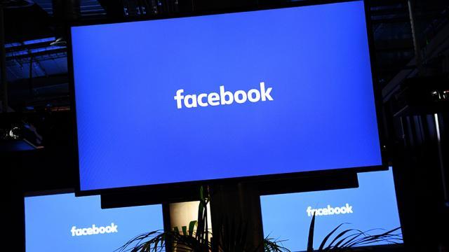 Facebook suspends Trump campaign data firm https://t.co/vwsxQzGxa5