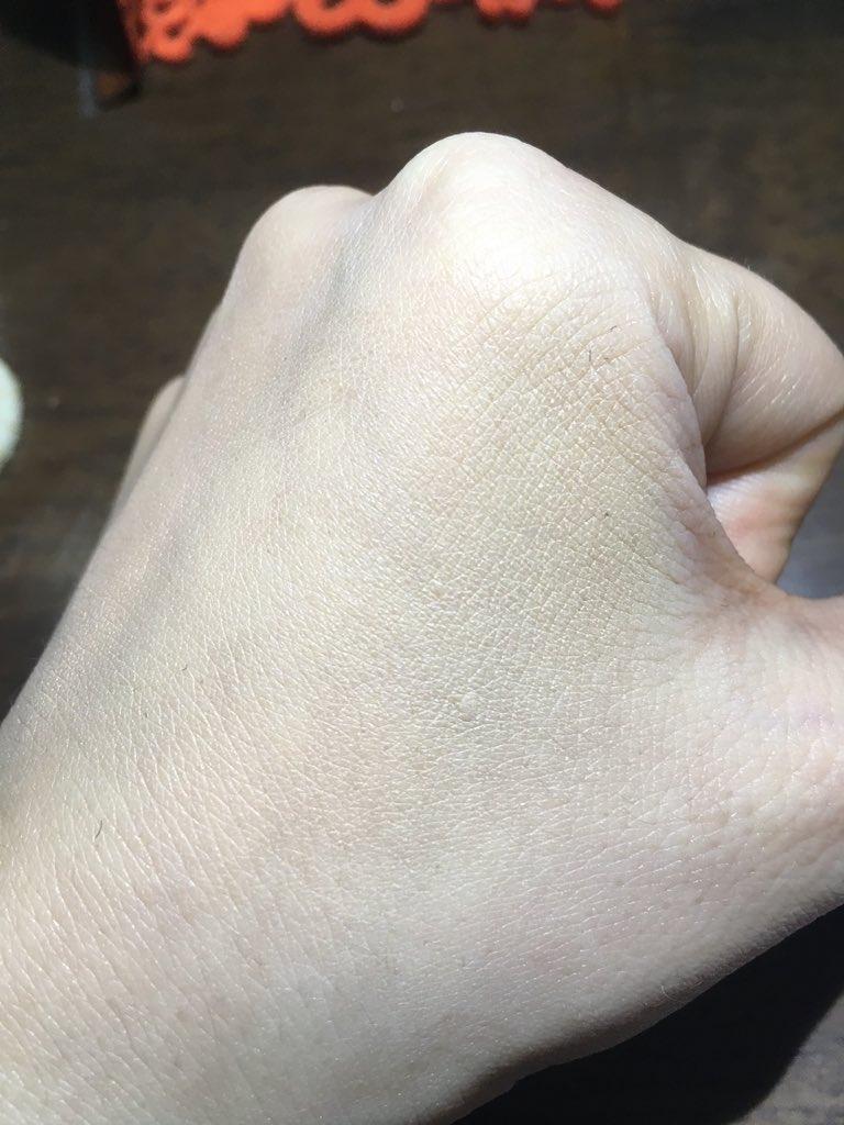 test ツイッターメディア - #ダイソー のごくふわファンデーションブラシ💕私は #リキッドファンデーション 使わないから #コンシーラー で塗ってみた! YouTubeで誰かがレビューしてたようにコシが強くて時間かかりそうだけど、仕上がりはまぁまぁ😏 後は肌のコンディション次第かなぁ💄✨ https://t.co/J1eINCn2q6