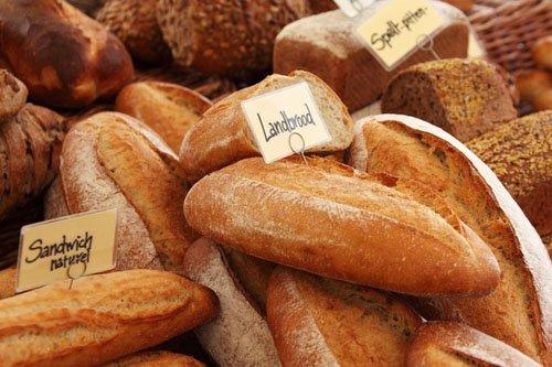 1000RT:【条例違反】「週に1日も休まずに営業した罪」フランスのパン屋に罰金 https://t.co/oxCVhplfEB  観光客が多かった昨夏、「パン屋は1週間に1日は店休日を設けなければならない」と定めた地方条例に違反。店主は「観光…