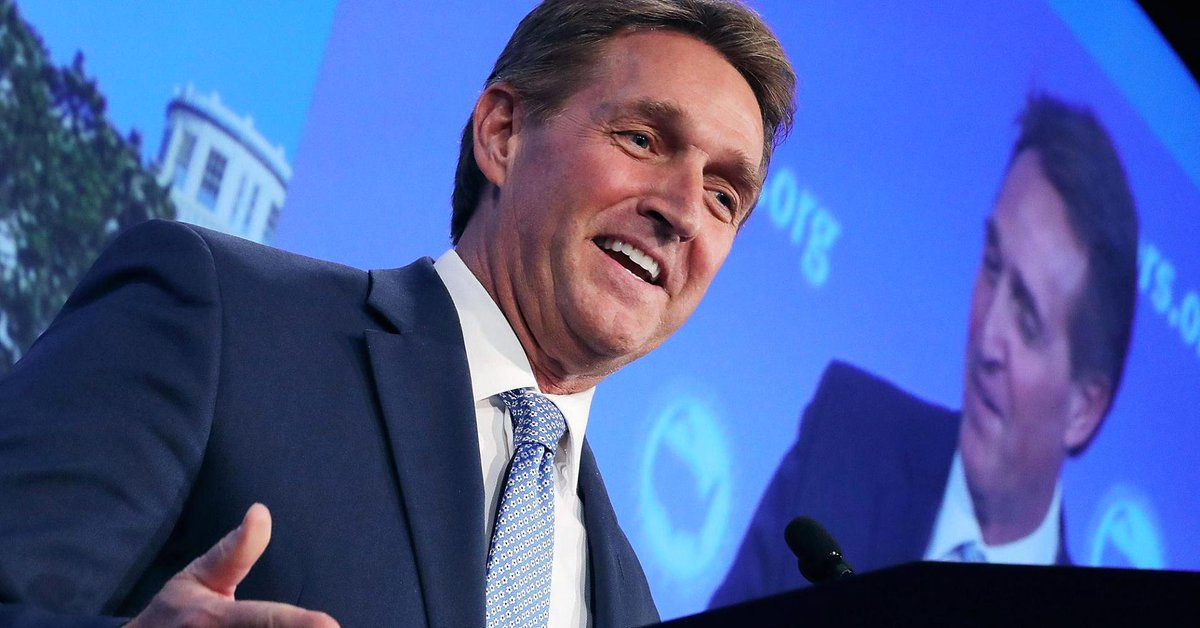 Jeff Flake, GOP senator from Arizona, says he may run against President Trump in 2020 either as a Republican or an independent — if no one else does https://t.co/4dPzAJbfHg