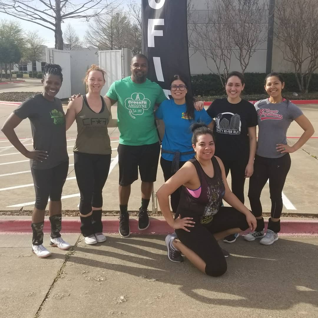 0874ebaf6839 St. Patrick s Day workout  CrossFit  CrossFitAnodyne  PartnerWOD  GirlsRock   GirlsPower  Nike  NikeMetcons  women  sports  sweatinstyle  fitness  gym  ...
