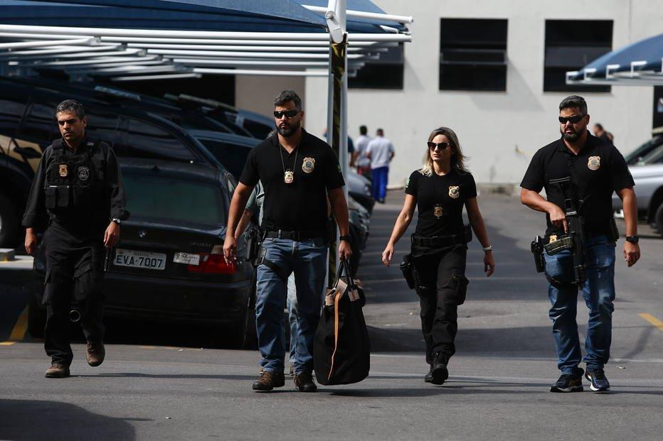 Investigado na Lava Jato, ex-secretário do RJ é preso no aeroporto do Galeão  https://t.co/Ms4FMPKn5x