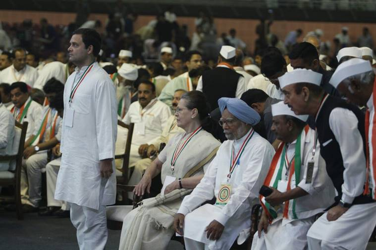 "#TopQuotes Sonia Gandhi said, ""Congress is fighting the tyrannical Modi Govt. People have begun to realise that the promises made by the BJP in 2014 were hollow.""    http:// bit.ly/2IzRQKo     <br>http://pic.twitter.com/9bH6lNfHOa"