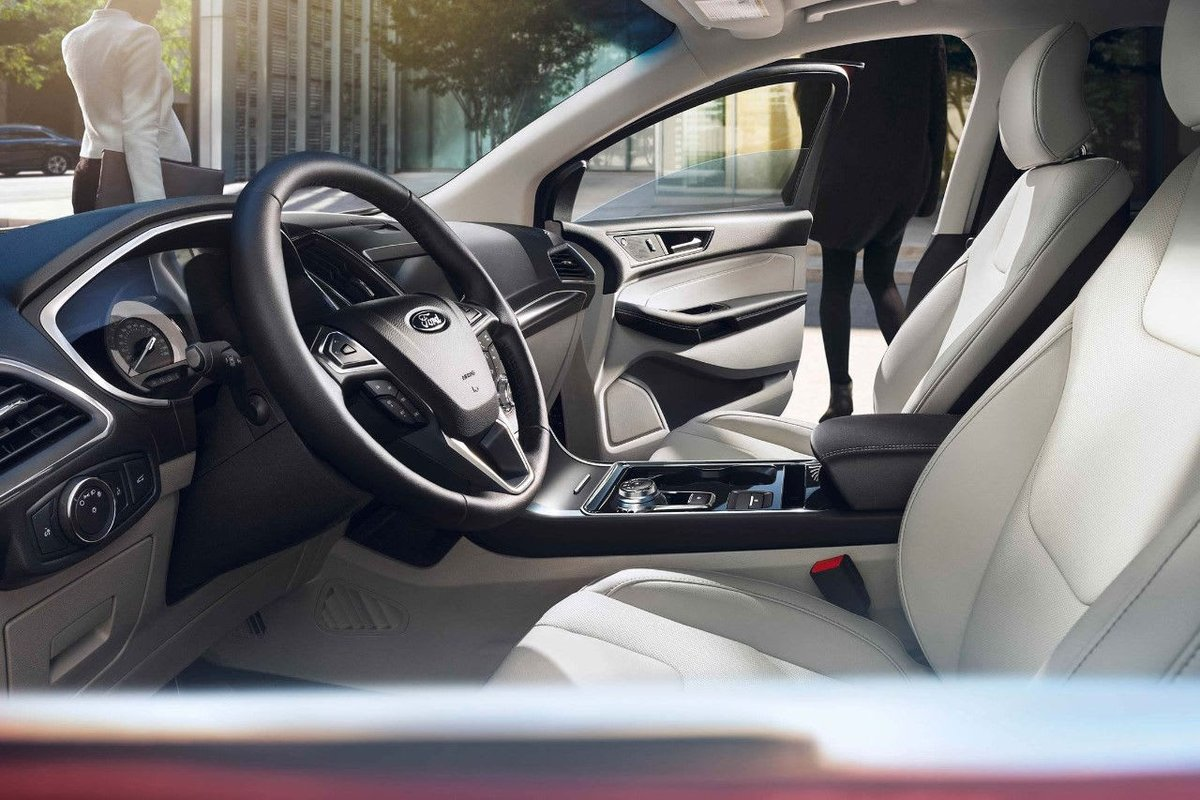 The 2019 Ford Edge boasts an open, airy and comfortable interior!  Coming soon. https://t.co/H8zmiyaZVG
