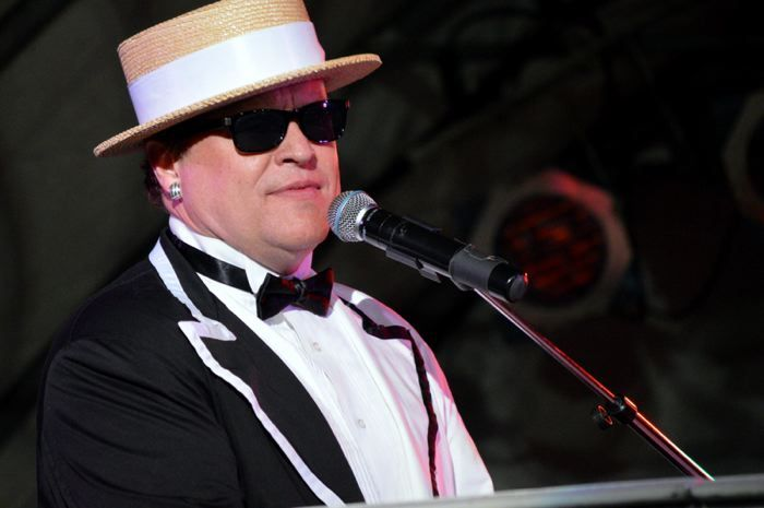 Your favorite ELTON JOHN hits performed by tribute band Yellow Brick Road on 4/13! Info: buff.ly/2FIc86E