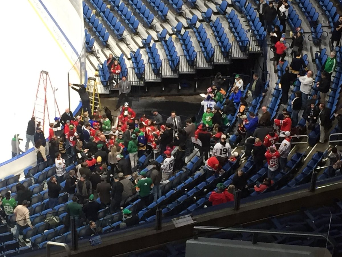The annual Patrick Kane meet and greet under way in Section 114. #Blackhawks
