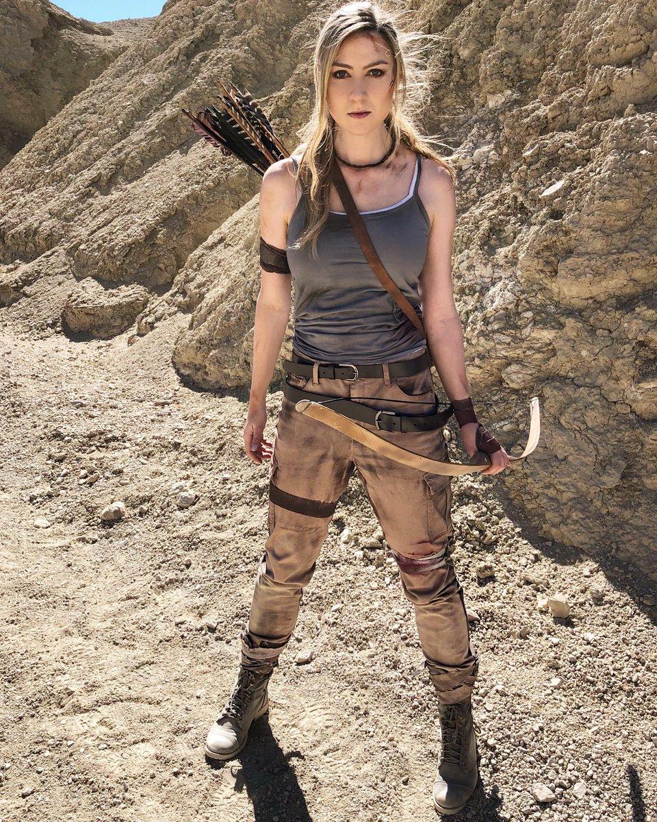 Happy Saturday 🏹  #TombRaider #TombRaiderMovie #TombRaiderCosplay #LaraCroft #LaraCroftCosplay #Cosplay