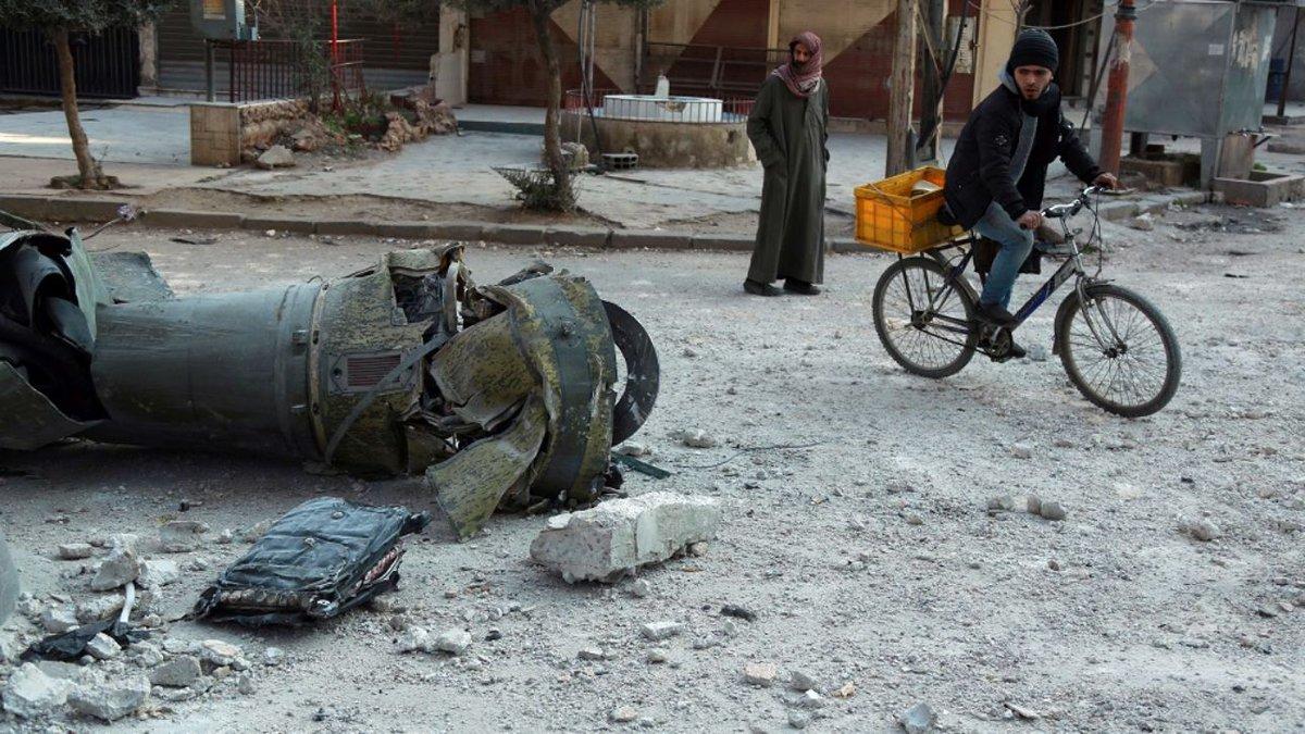 Russia: Usa attendono provocazione come scusa per raid su Siria #Siria https://t.co/eduLfw8BA2