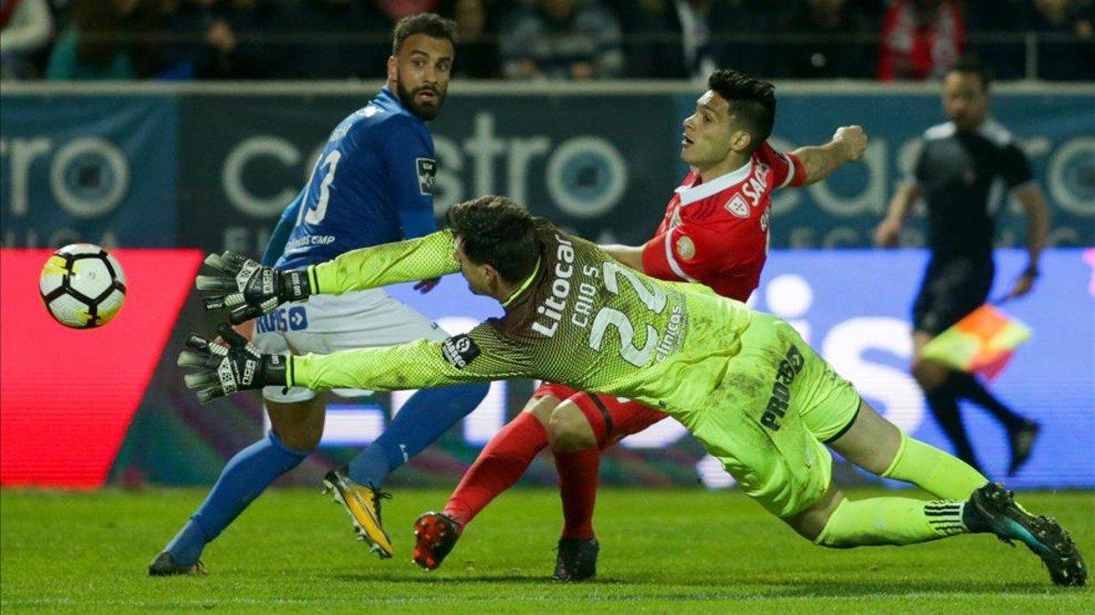 #LigaNOS | El Benfica gana al Feirense y...