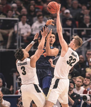 #KRAVITZ: It's next man up for @BoilerBall against @ButlerMBB Sunday in Detroit, as Matt Haarms steps in for Isaac Haas. @bkravitz https://t.co/60x5f7J713