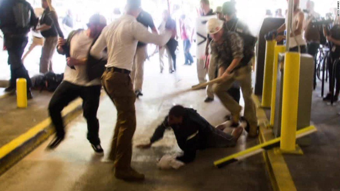Black man acquitted of assaulting protes...
