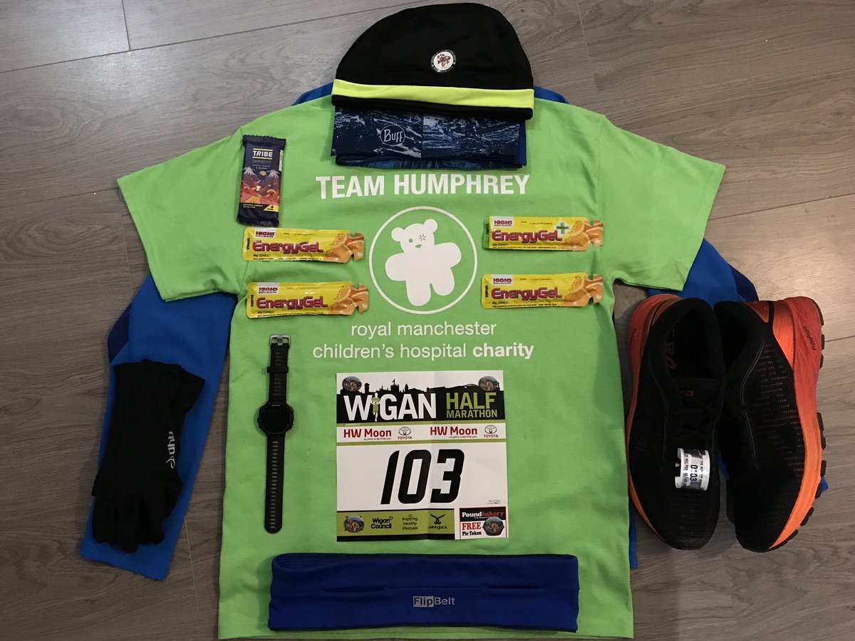 Obligatory race kit photo before @Wiganhalf tomorrow.  Challenge 7 #IMOAC & raising money for @RMCHcharity.  #TeamHumphrey #BeSeenInGreen #Number103 💚🏃‍♂️