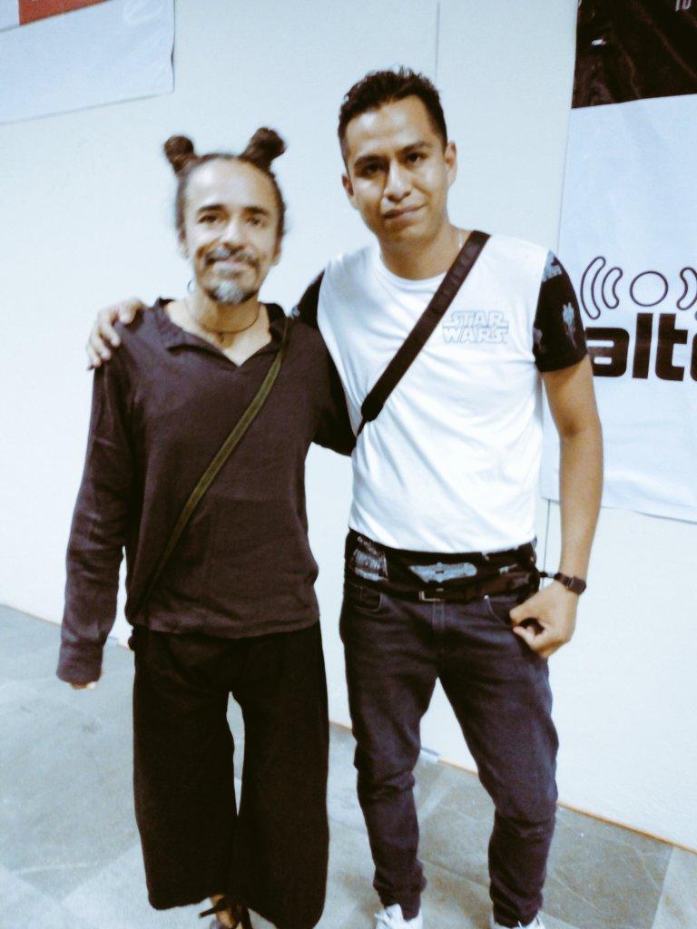 Seguimos en el #ViveLatino2018 Con Rubén...