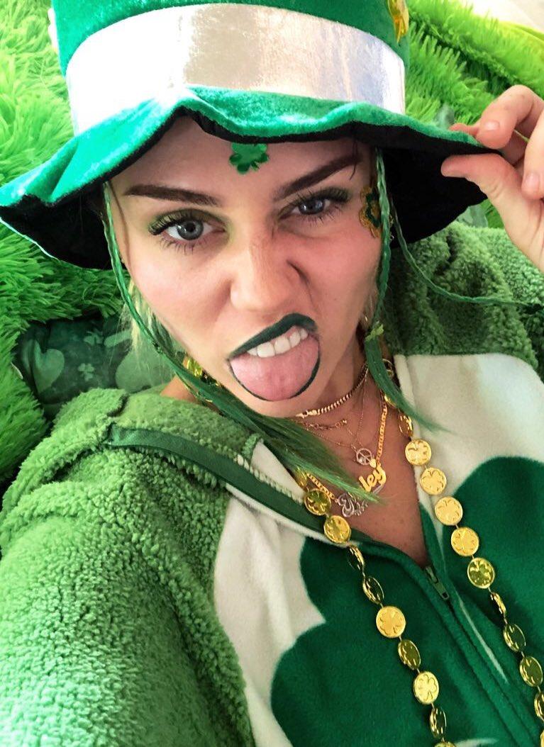 Itszzzzz EZ being green! Happy St Pattys