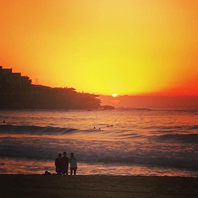 Sunday Sunrise with H #sunrise #bondibea...
