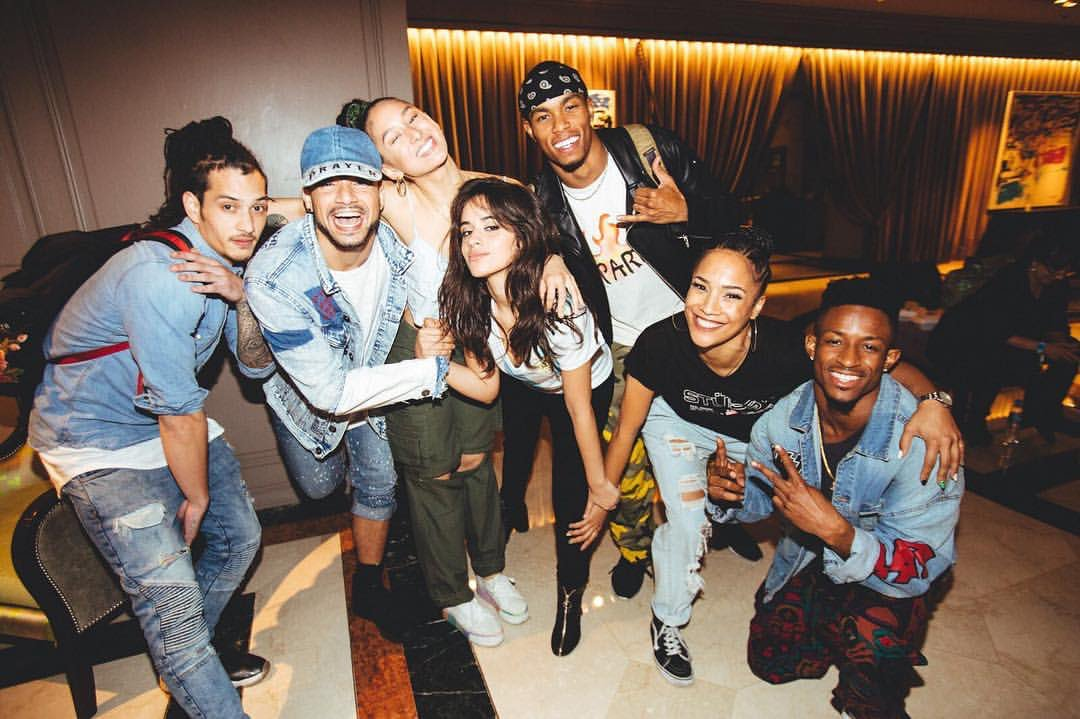 Camila with her dancers tonight (via pes...