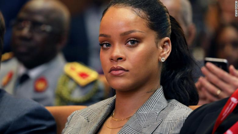 Snapchat lost $800 million after Rihanna tore into the company for allowing an offensive ad to appear on its app https://t.co/cFWcwc5c1C