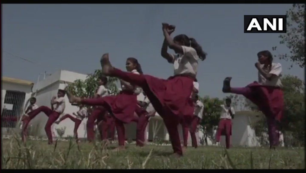 Students of Mine Haha School in Bodh Gaya being trained for martial arts by Soren, a trainer from Japan, free of cost for the past one month #Bihar