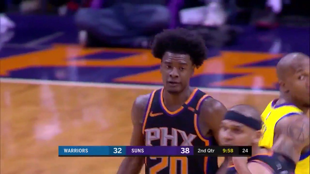 Josh Jackson gets hot for 20 in the 1st half! ��  #SunsAt50 https://t.co/DpUEfNhj6h