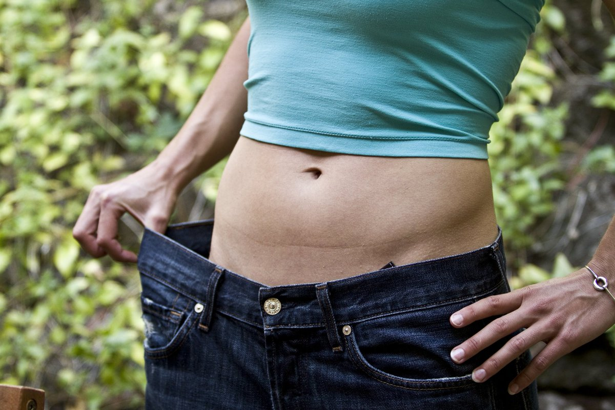 RT 10 weight loss tricks to drop up to 50 pounds: https://t.co/H9qKeIdehq https://t.co/0IrtMxQ0wi via EverydayHealth #health #well