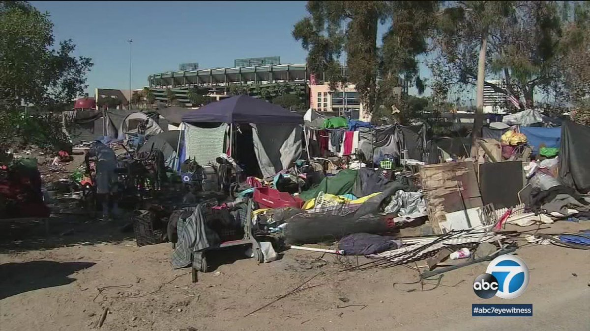 Leaders meet to discuss housing for homeless people removed from Santa Ana encampment https://t.co/dFdr03FI83