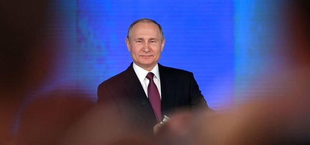 Election présidentielle aujourd'hui en Russie – Impassible, Poutinetriomphe https://t.co/6OdfO5zBqE