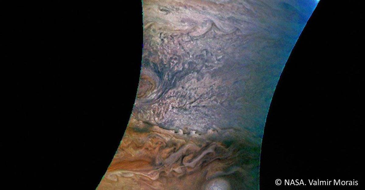 Fascinant! Les motifs dessinés par une tempête sur Jupiter ressemblent plutôt à du papier marbré turc  https://t.co/5HqFQZDsFg