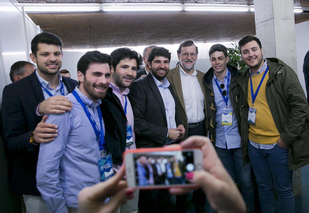 #Murcia tiene un gran líder en el presente y para el futuro: @LopezMirasF. Agradezco su apoyo a los afiliados y simpatizantes del @PPRMurcia. #17CongresoPPRM