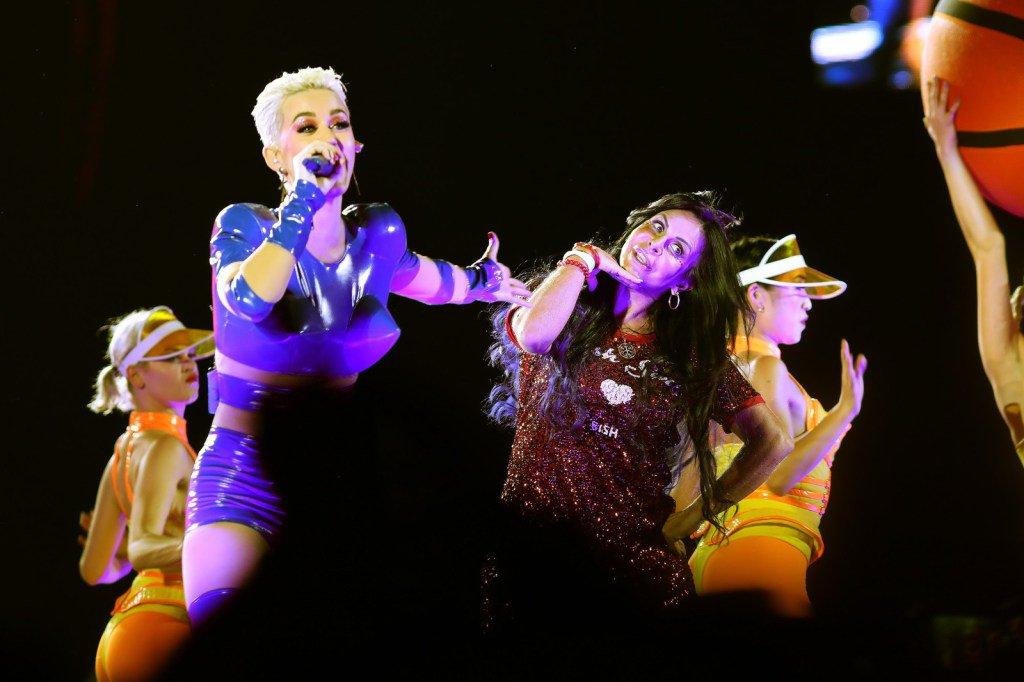 #WitnessTheTour – Katy Perry da show de...