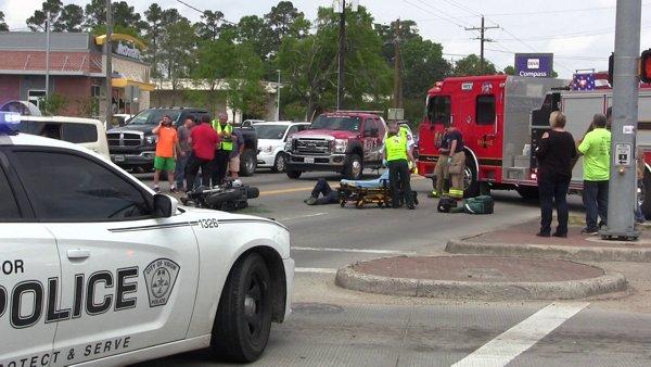 Motorcyclist taken to hospital after hit by truck in Vidor https://t.co/4trt7kulkn