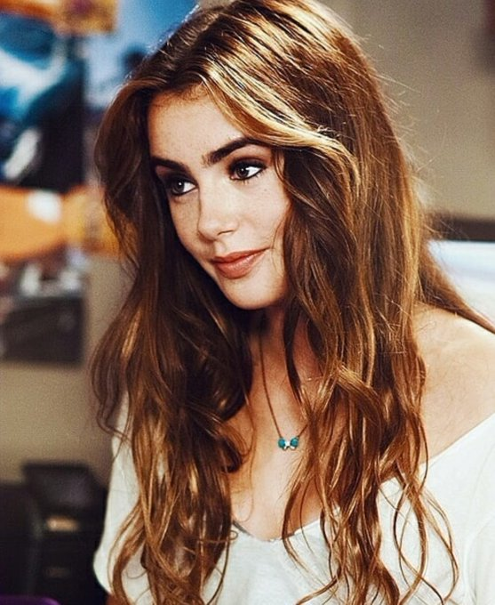 Happy birthday to one of the greatest actresses & most amazing women ever, Lily Collins