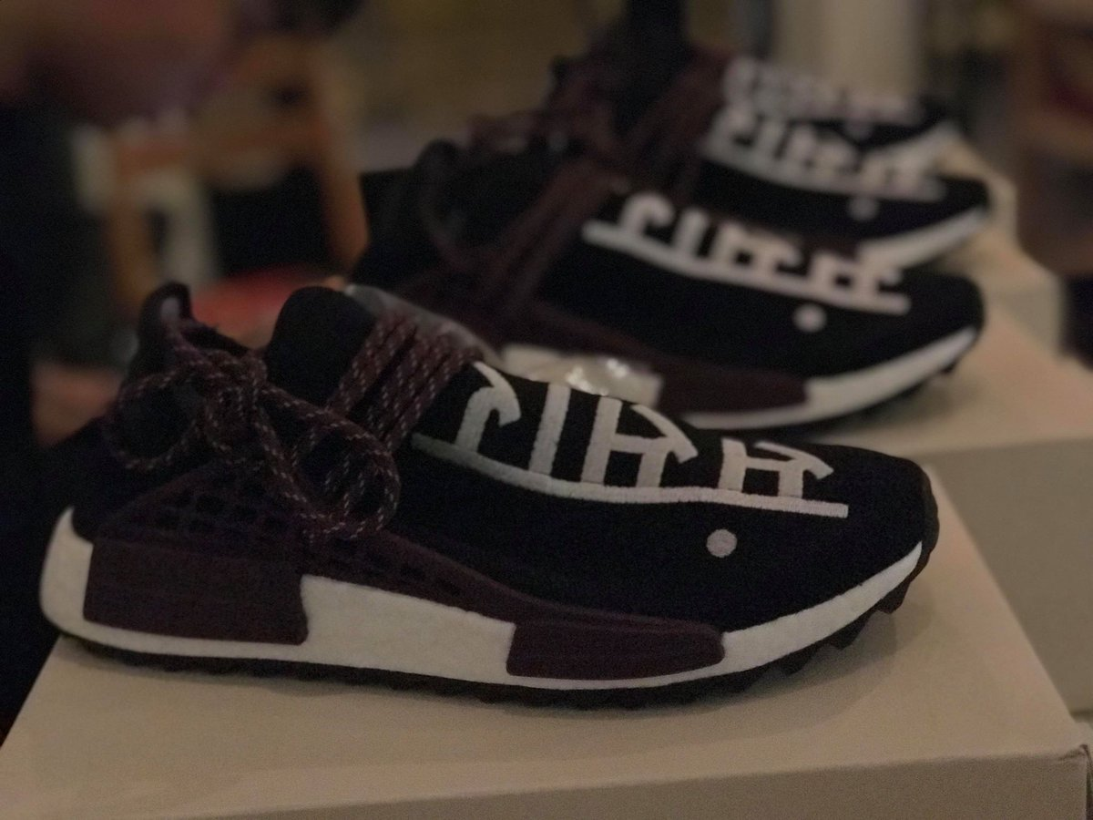One of the easiest cop ever IG: xdd_dom_xdd #nmdhumanrace #nmd #adidas  #adidasnmd #humanrace #humanracenmd #sneakers #nmds #adidasboost  #pharrellwilliams ...