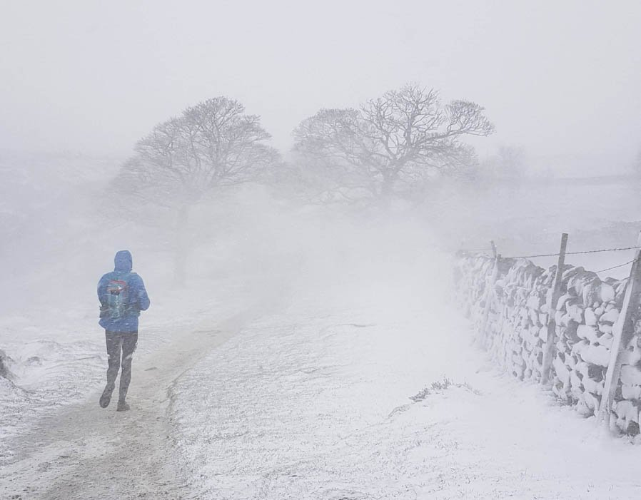 UK snow in PICTURES as Met Office issues weather forecast warning for Beast from the East https://t.co/hNRULACer1