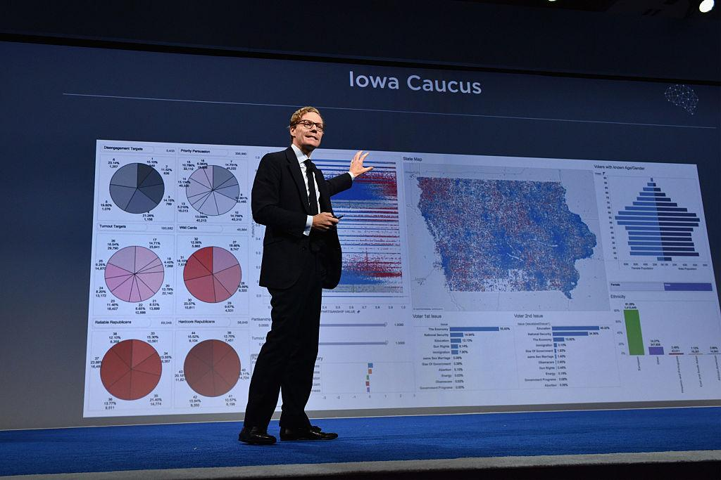 Facebook suspends Cambridge Analytica, the controversial data firm which helped Trump win the White House https://t.co/5QuMwNC5kd