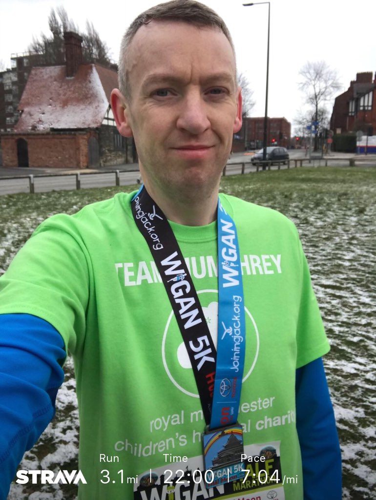 Just ran the @wigan5km.  Not the @Wiganhalf race I got up for this morning but still a race nevertheless.  On a positive note all the training hasn't gone to waste & I think I got a new 5k PB!  🤣 #IMOAC @RMCHcharity #BeSeenInGreen #TeamHumphrey 💚🏃‍♂️