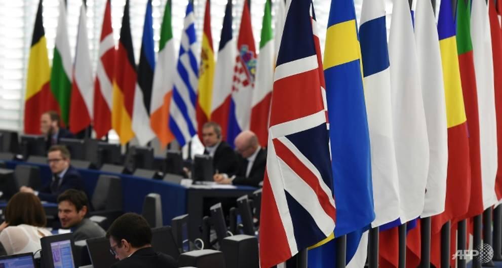 UK Brexit committee suggests delay in leaving EU https://t.co/GwCEUEt46G