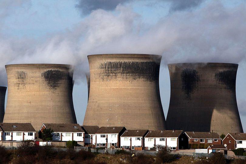 Now Britain's bracing itself for a mass Russian cyber-attack on power plants https://t.co/BejKu7wlDP https://t.co/MMqvnxrht5