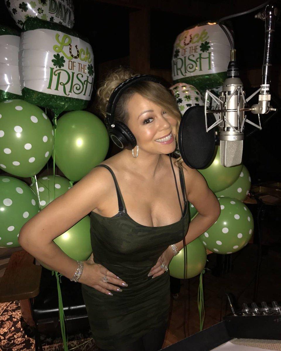 #MariahCarey in the Studio last night, working on her new Album!💚