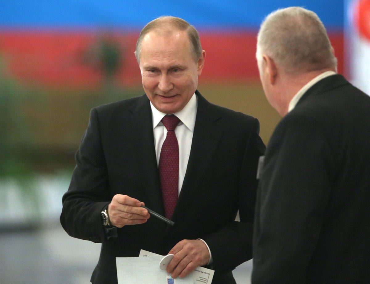 #ULTIMAHORA @PutinRF_Eng va por su cuarto mandato en #Rusia con más del 70% de los votos https://t.co/VTpEqRLq8n