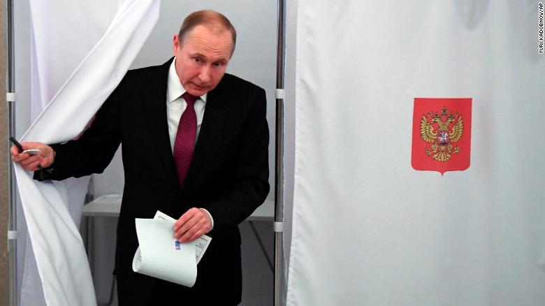 ÚLTIMA HORA  Vladimir #Putin retiene el poder en #Rusia y gobernará por otro periodo de seis años, según encuestas de salida https://t.co/LgDcuseqtV