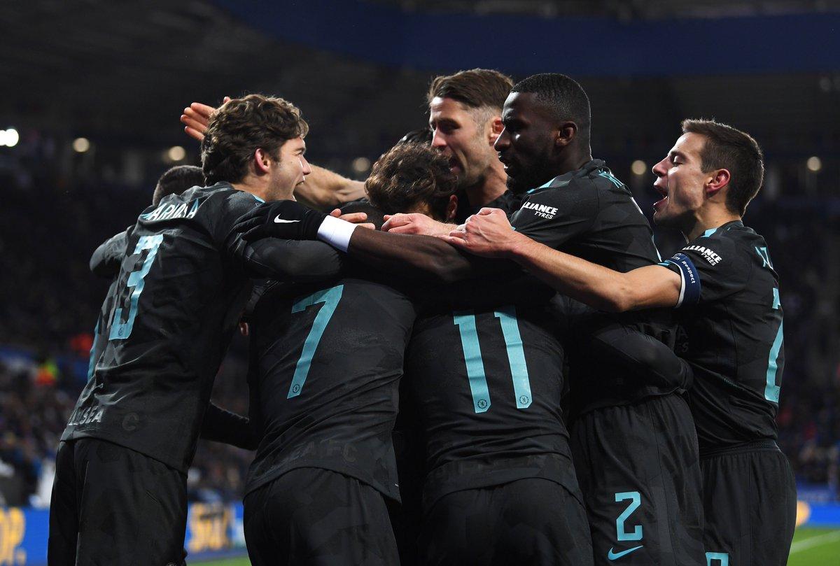 #FACup semi-final draw:  Man Utd v Spurs Chelsea v Southampton