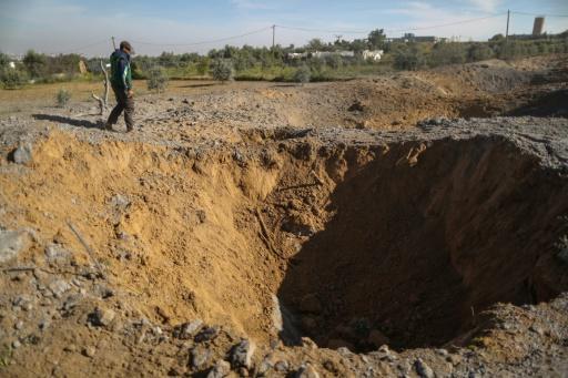 Israël bombarde des installations 'souterraines' du Hamas dans la bande de Gaza https://t.co/cVqGU9vHam