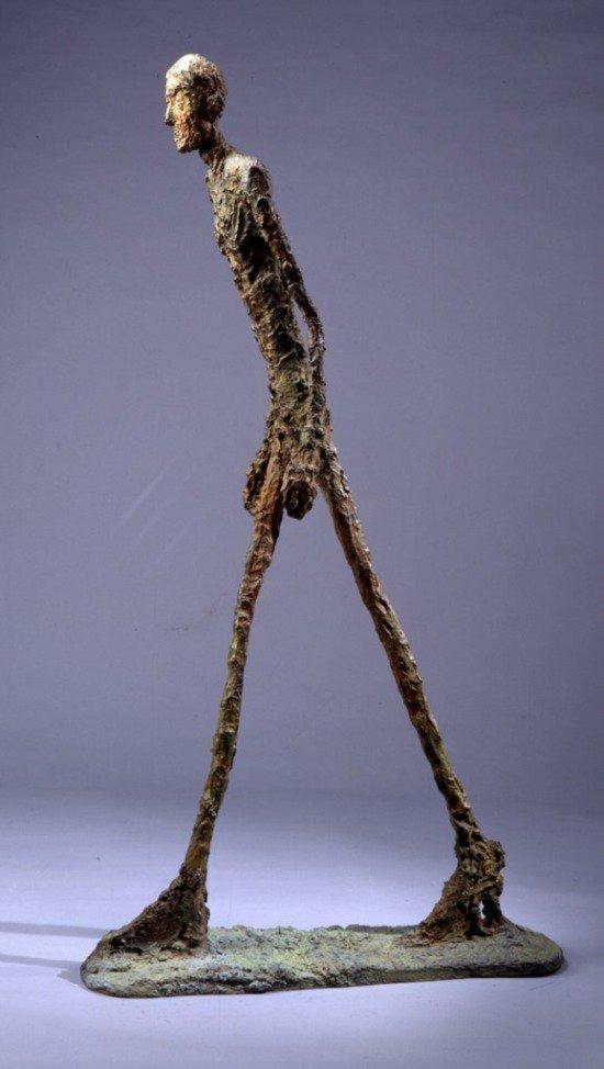 #art Luomo di A. Giacometti, nelle sue solitarie inquietudini e smarrimenti, in cerca di risposte che forse non troverà mai.  E due omaggi di A. Ilichev e P. Romani  @archivetro @arte_pensiero @artdielle @CasaLettori @GuernseyJuliet @Hakflak @angela3nipoti1 @pieroBENEDETTO