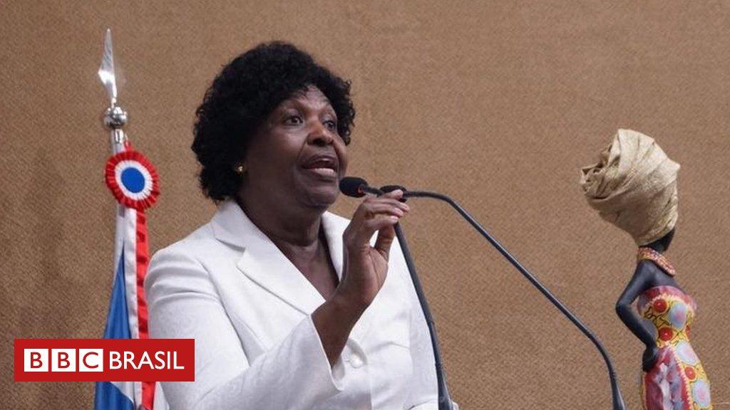 'Assassinato de Marielle é uma violência contra a negritude', diz Benedita da Silva, 1ª vereadora do Rio negra e da favela https://t.co/uTFLFK41Sp