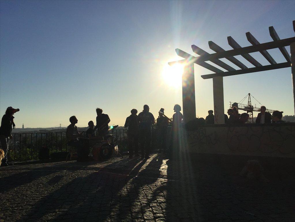Blog Portugal - L'été, saison des « miradouros » via @courrierexpat https://t.co/3btECOz3yC