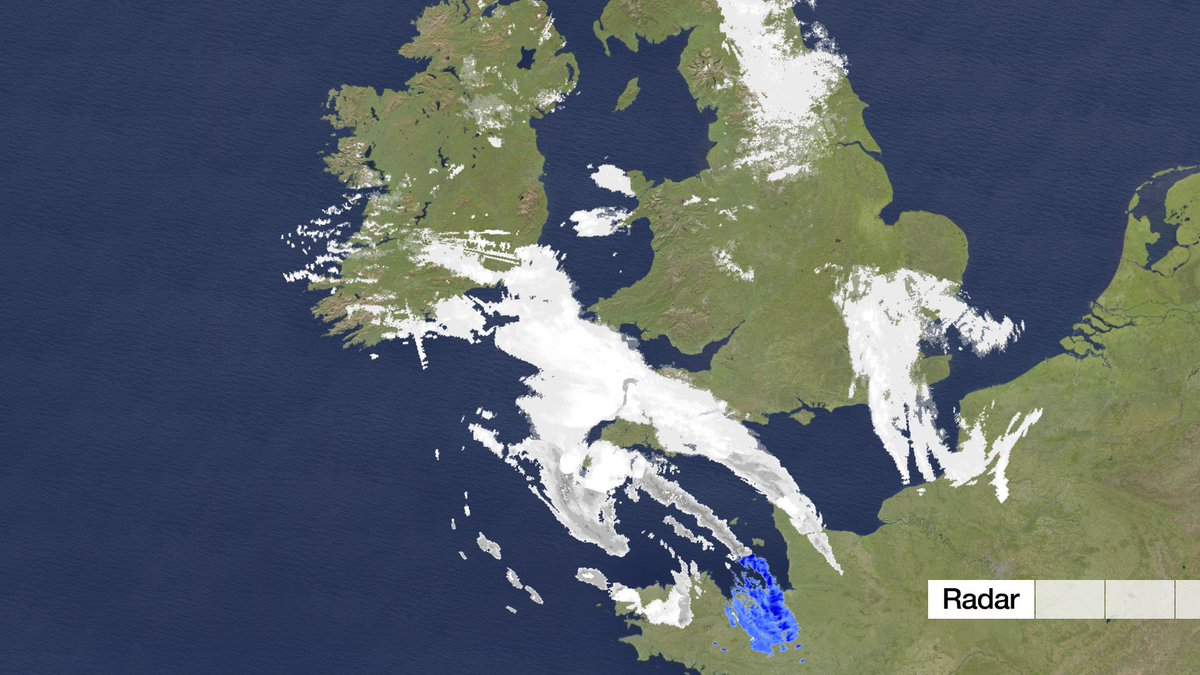 #snow coming back into SE England now & expected to spread to Surrey, Berkshire and Hampshire. Another 1-2cm. Darren