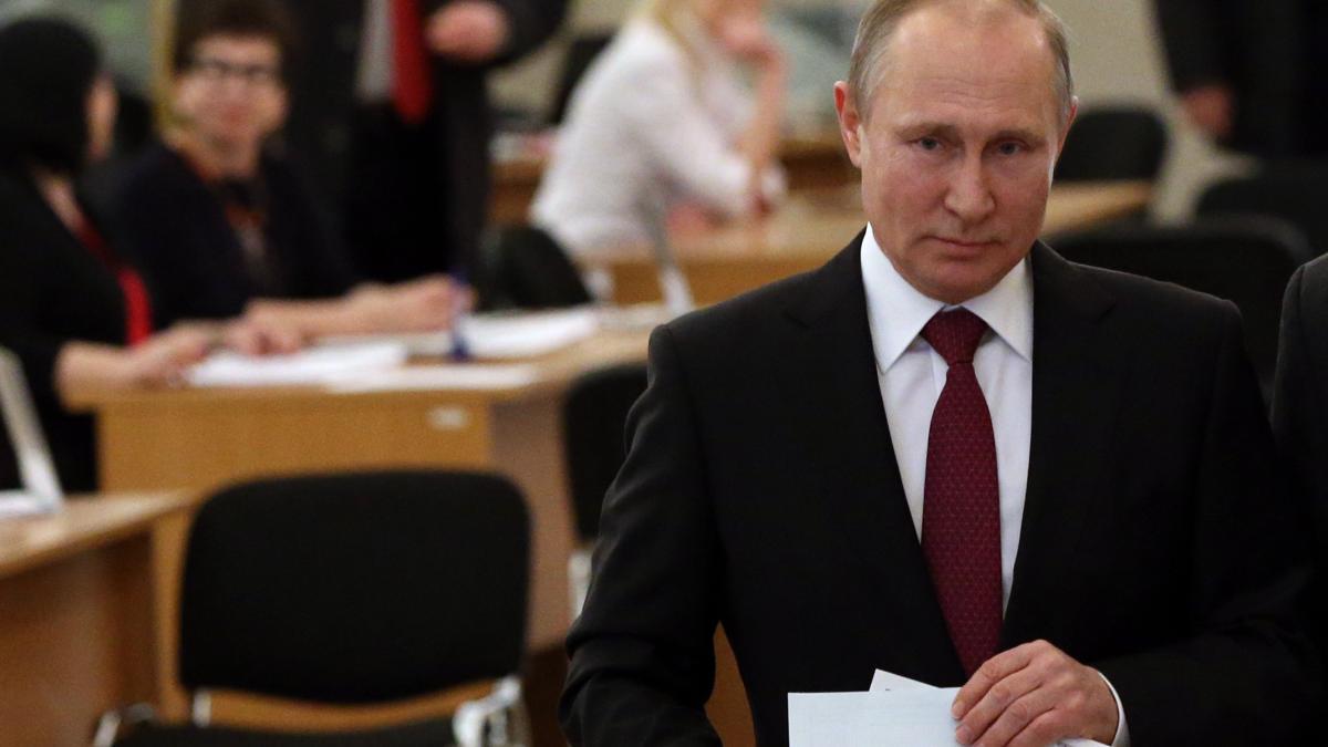 🔴 BREAKING: Präsidentschaftswahl in Russland: Putin laut ersten Prognosen klar wiedergewählt https://t.co/mlQoUMlBKE